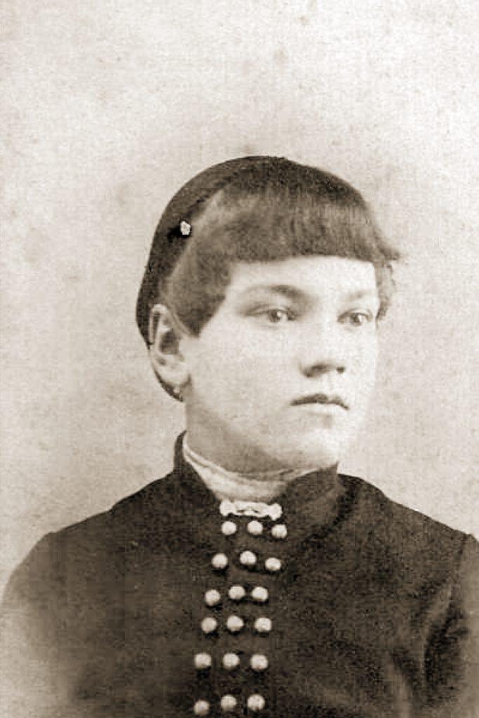 Elva Hardenburg Arnold