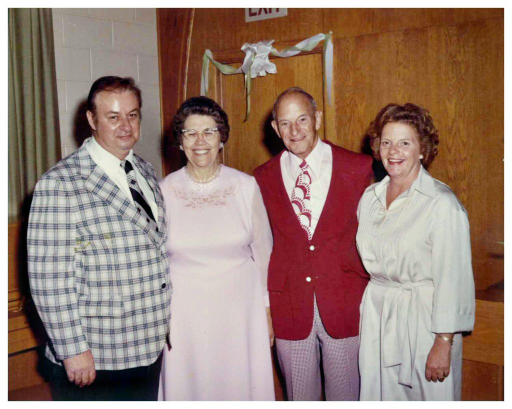 Hank, Jennie, Halle,& Jeanie-8×10